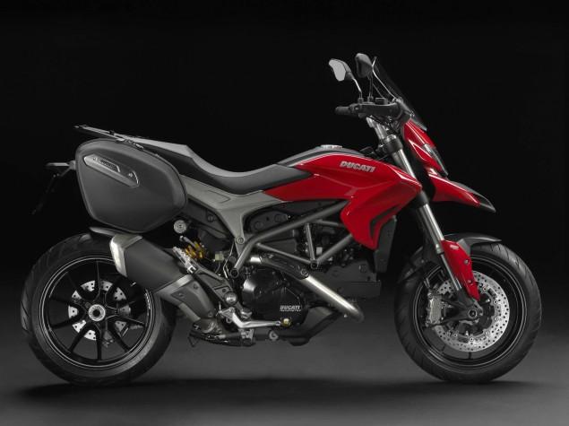 2013-Ducati-Hyperstrada-62