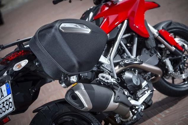 2013-Ducati-Hyperstrada-92