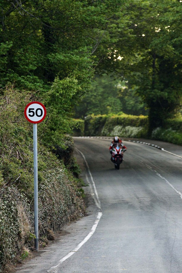 Conker-Fields-Isle-of-Man-TT-Richard-Mushet-07