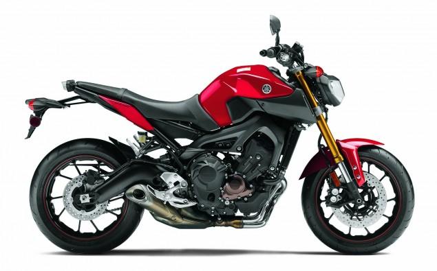 2014-Yamaha-FZ9-01