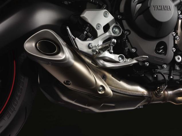 2014-Yamaha-FZ9-08