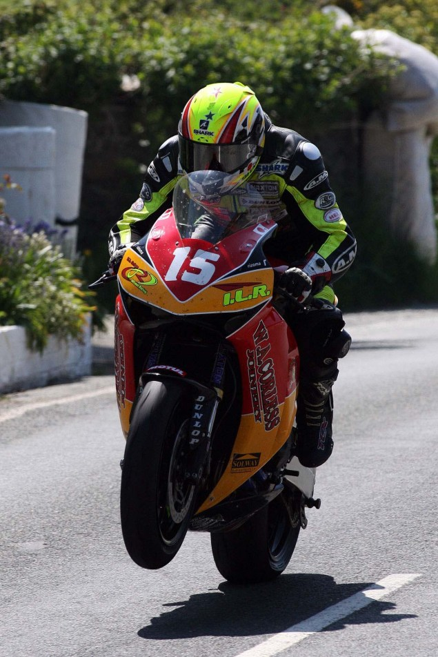 Rhencullen-2013-Isle-of-Man-TT-Richard-Mushet-08