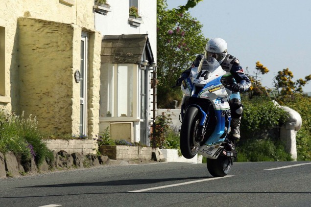 Rhencullen-2013-Isle-of-Man-TT-Richard-Mushet-14