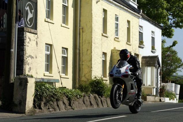 Rhencullen-2013-Isle-of-Man-TT-Richard-Mushet-16