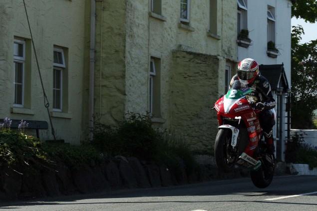 Rhencullen-2013-Isle-of-Man-TT-Richard-Mushet-18