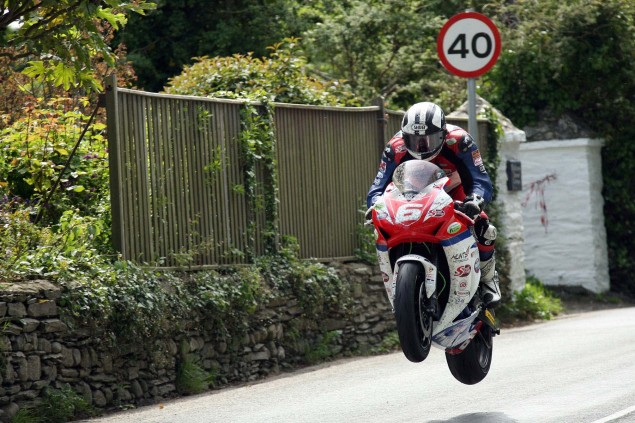 Supersport-Superstock-Ballaugh-Ballacrye-Isle-of-Man-TT-Richard-Mushet-17