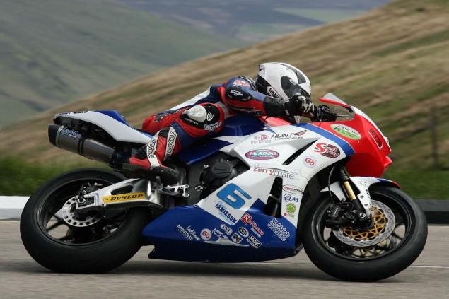 The-Bungalow-Supersport-TT-Zero-2013-Isle-of-Man-TT-Richard-Mushet-07