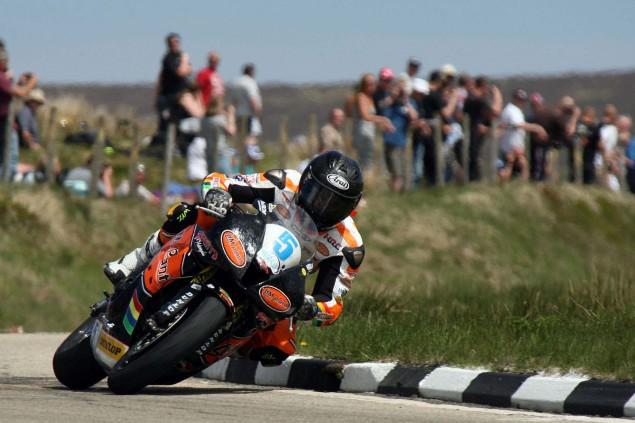 The-Bungalow-Supersport-TT-Zero-2013-Isle-of-Man-TT-Richard-Mushet-08