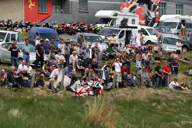 The-Bungalow-Supersport-TT-Zero-2013-Isle-of-Man-TT-Richard-Mushet-09