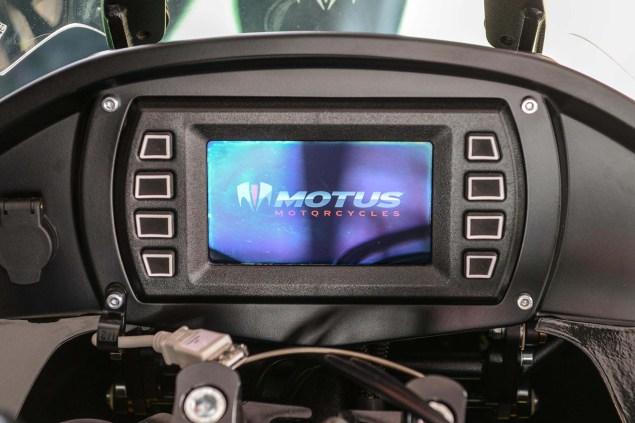 Motus-Motorcycles-MST-R-LCD-dash-02