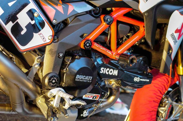 Spider-Grips-Ducati-Multistrada-1200-S-Pikes-Peak-race-bike-14