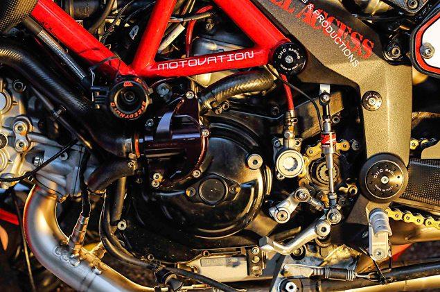 Spider-Grips-Ducati-Multistrada-1200-S-Pikes-Peak-race-bike-21