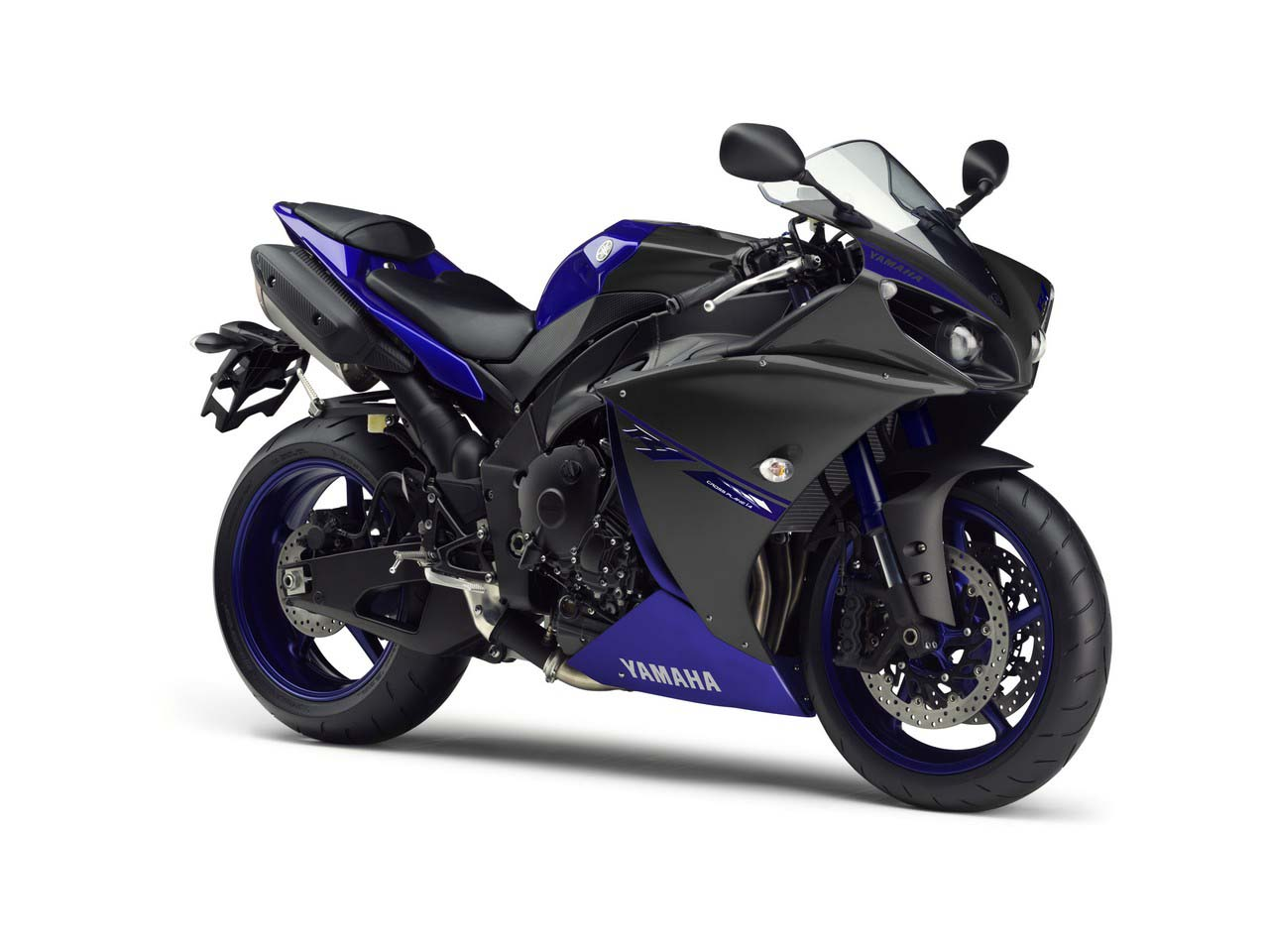 2014 yamaha yzf r1 race blu debuts at silverstone asphalt rubber. Black Bedroom Furniture Sets. Home Design Ideas