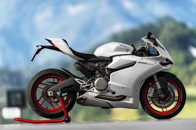 2014-Ducati-899-Panigale-static-16