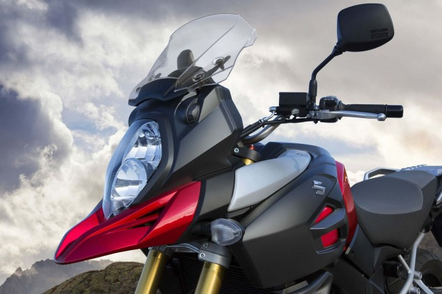 2014-Suzuki-V-Strom-1000-action-14