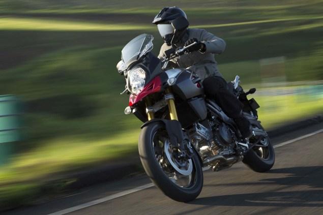 2014-Suzuki-V-Strom-1000-action-15