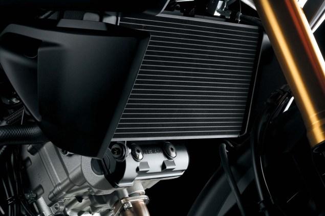 2014-Suzuki-V-Strom-1000-details-10