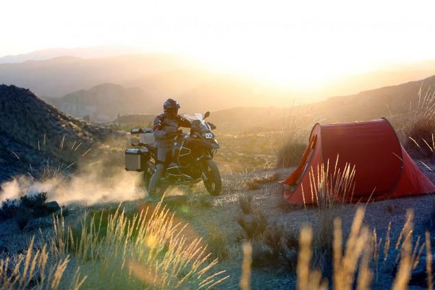2014-BMW-R1200GS-Adventure-action-21