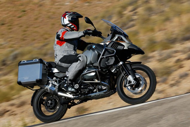 2014-BMW-R1200GS-Adventure-action-26