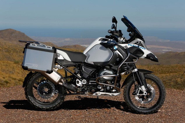 2014-BMW-R1200GS-Adventure-outdoors-18