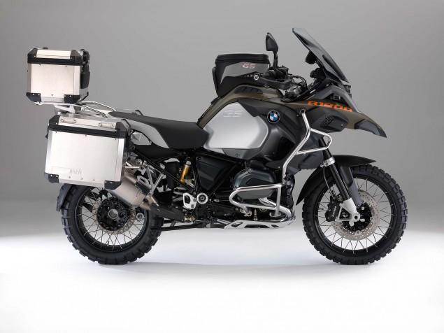2014-BMW-R1200GS-Adventure-studio-16