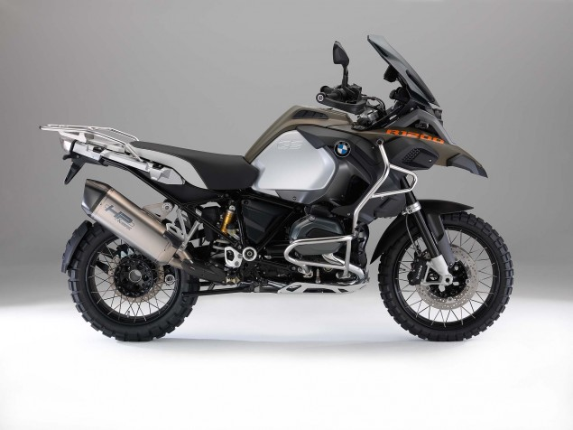 2014-BMW-R1200GS-Adventure-studio-17