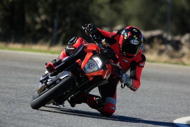 2014-KTM-1290-Super-Duke-R-Iwan-van-der-Valk-review-08
