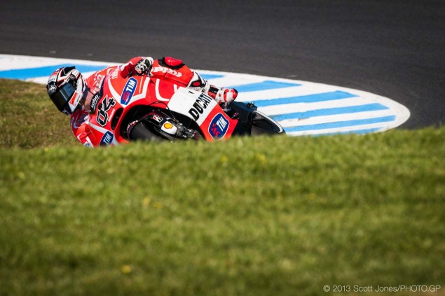 Friday-Phillip-Island-MotoGP-2013-Scott-Jones-02