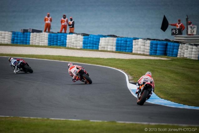 Sunday-Phillip-Island-Australian-GP-MotoGP-2013-Scott-Jones-01