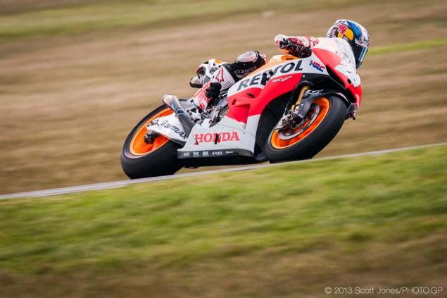 Sunday-Phillip-Island-Australian-GP-MotoGP-2013-Scott-Jones-14