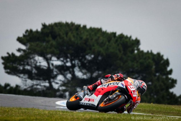 Sunday-Phillip-Island-Australian-GP-MotoGP-2013-Scott-Jones-17