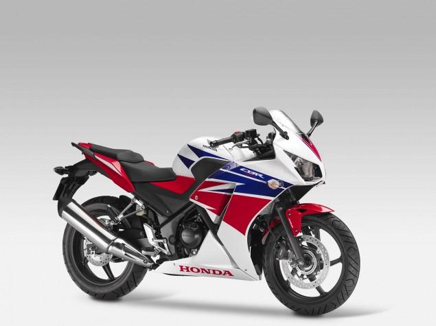 2014-Honda-CBR300R-02