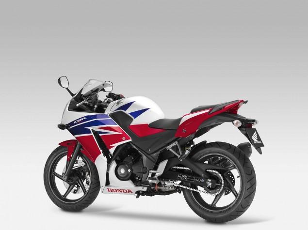 2014-Honda-CBR300R-05