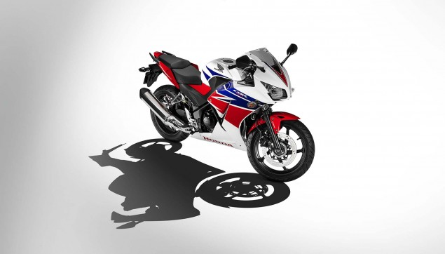 2014-Honda-CBR300R-19