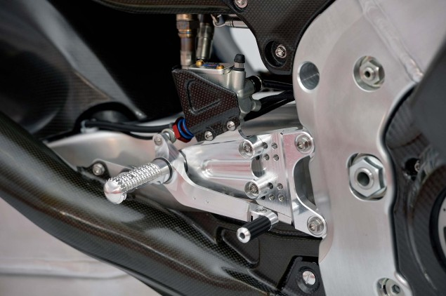 2014-Honda-RCV1000R-MotoGP-06