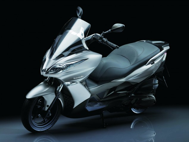2014-Kawasaki-J300-07