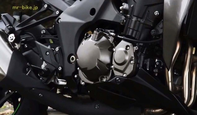2014-Kawasaki-Z1000-video-leak-07