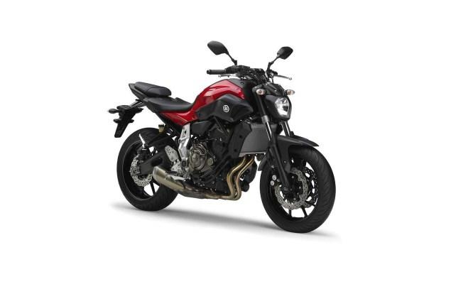 2014-Yamaha-MT-07-12