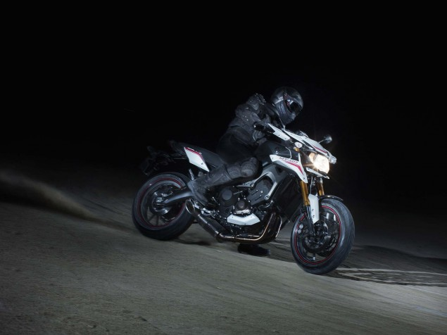 2014 Yamaha MT-09 Street Rally - Three Cylinders of Hoon - Asphalt & Rubber