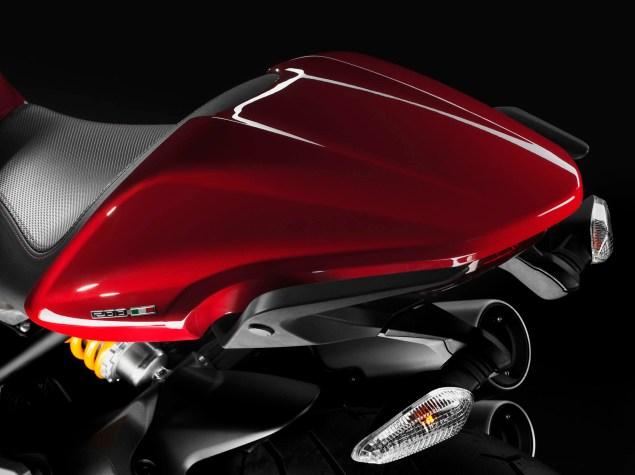 2104-Ducati-Monster-1200-07