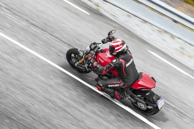 2104-Ducati-Monster-1200-S-28