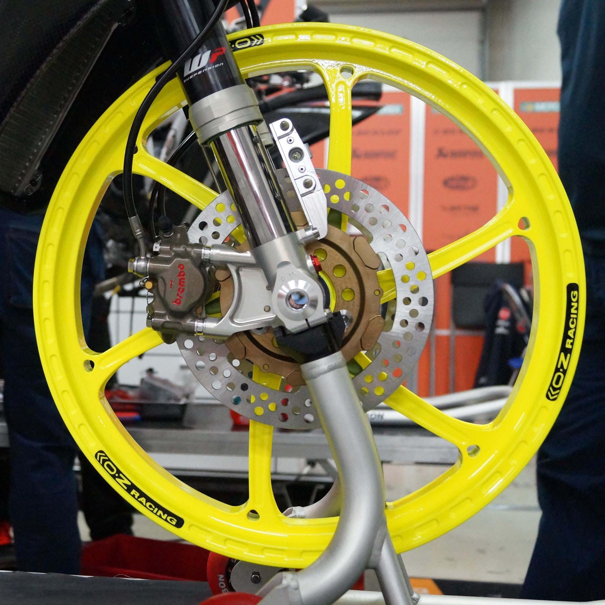 first look at the husqvarna moto3 race bike   asphalt amp rubber