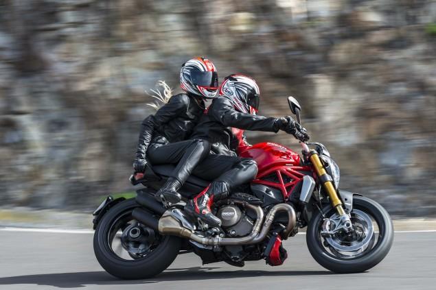 2014-Ducati-Monster-1200-action-43