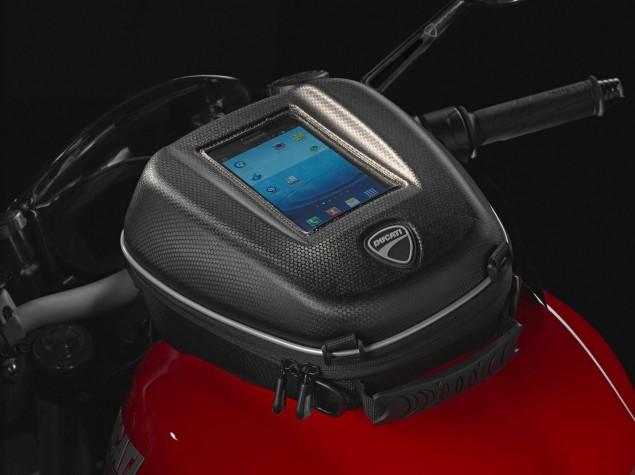 2014-Ducati-Monster-1200-performance-10