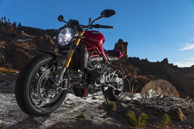 2014-Ducati-Monster-1200-still-08