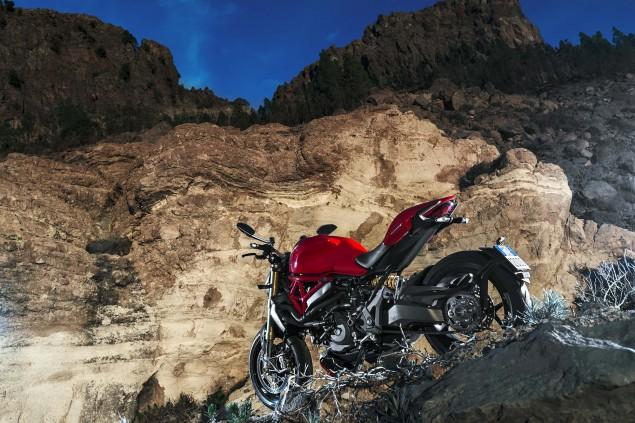 2014-Ducati-Monster-1200-still-12