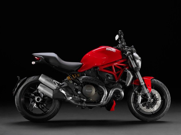 2014-Ducati-Monster-1200-studio-05