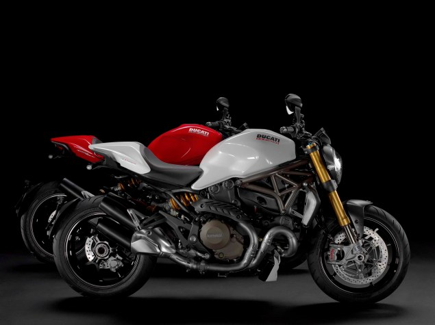 2014-Ducati-Monster-1200-studio-22