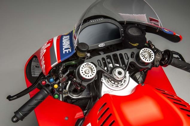 2014-Ducati-Desmosedici-GP14-18