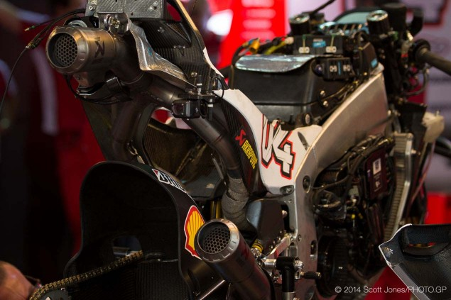 2014-Qatar-GP-MotoGP-Saturday-Scott-Jones-03